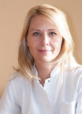 Dr. Varga Viktória